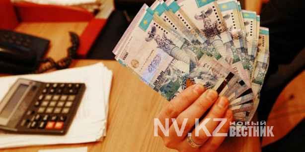 Подсунувшая пенсионерам сувенирные деньги карагандинка просит смягчить наказание
