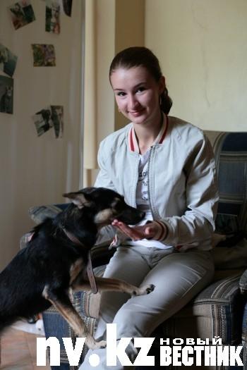 Аня Гураевская представляет карагандинский филиал первого в Казахстане зоозащитного фонда «KARE - Забота», который является членом Всемирного общества защиты животных (WSPA).